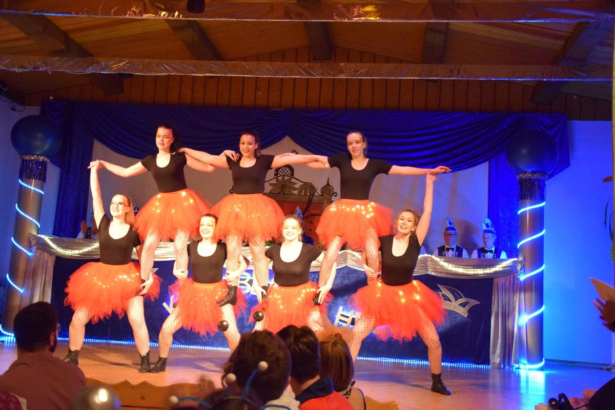 "Showtanzgruppe ""Tipsies"""